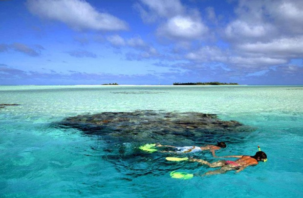 Snorkelling at Aitutaki in the Cook Islands